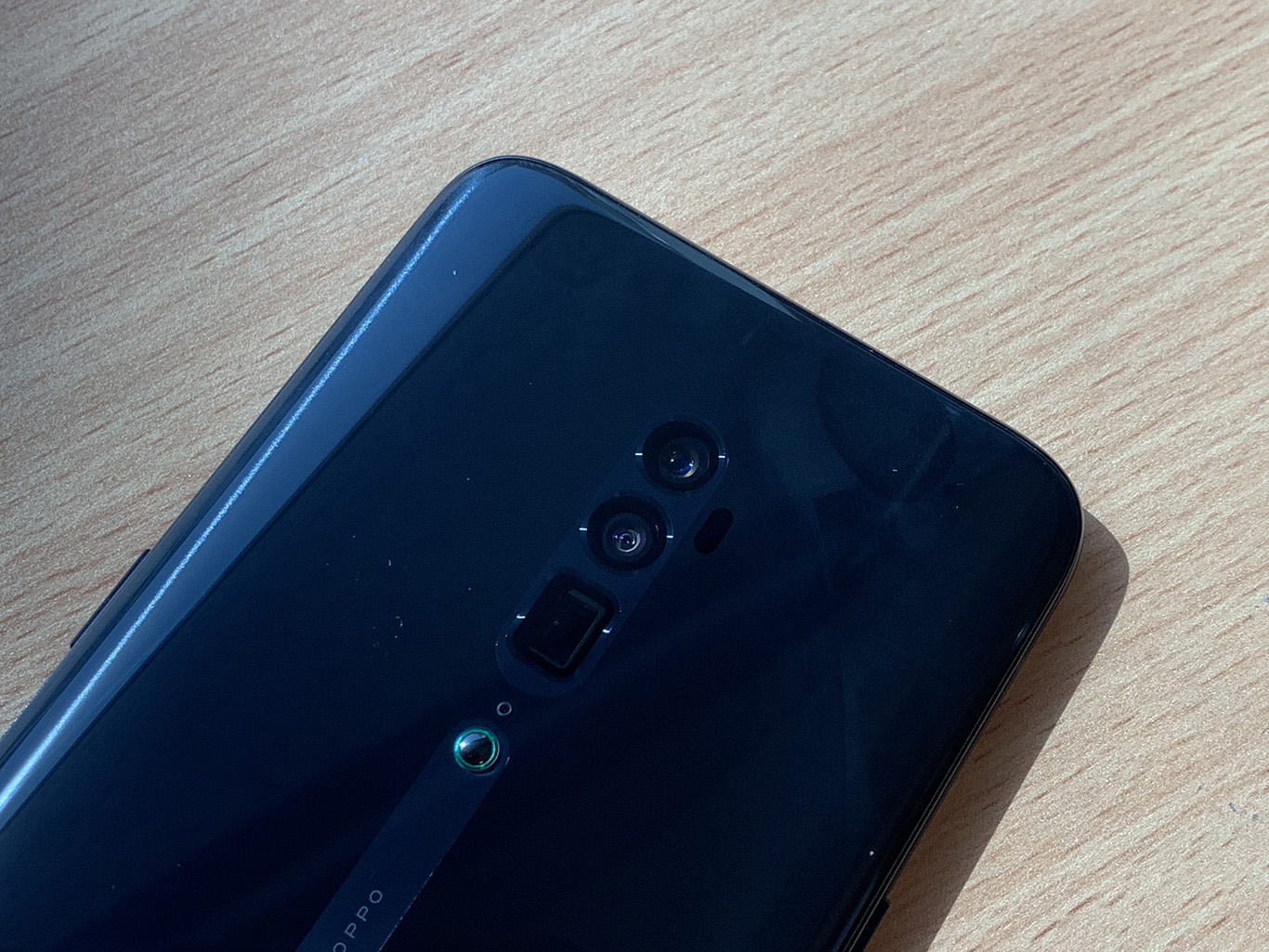 OPPO Reno 10x: Get closer to the action
