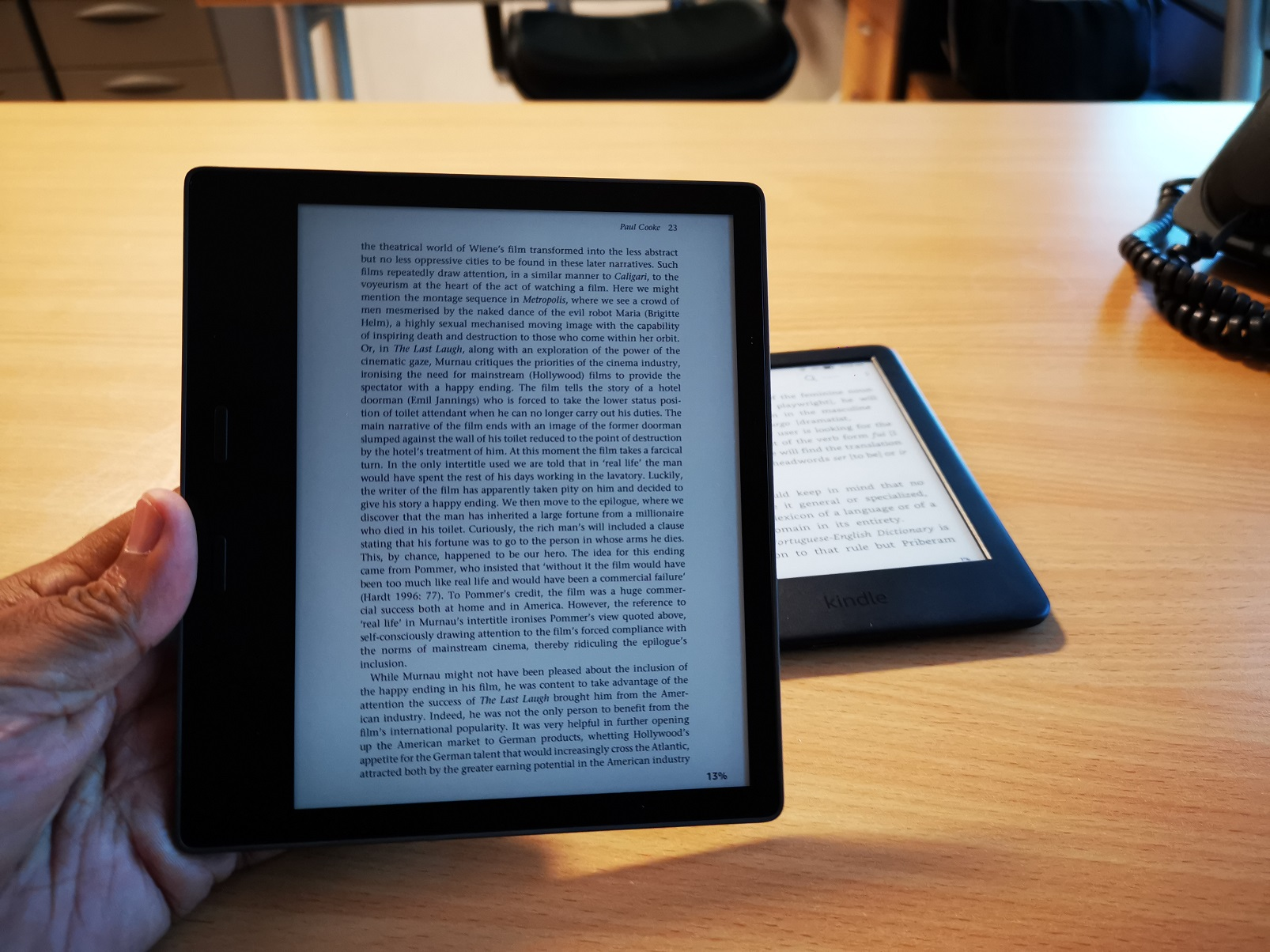 Kindle Oasis: The Kindle gets a designer touch!
