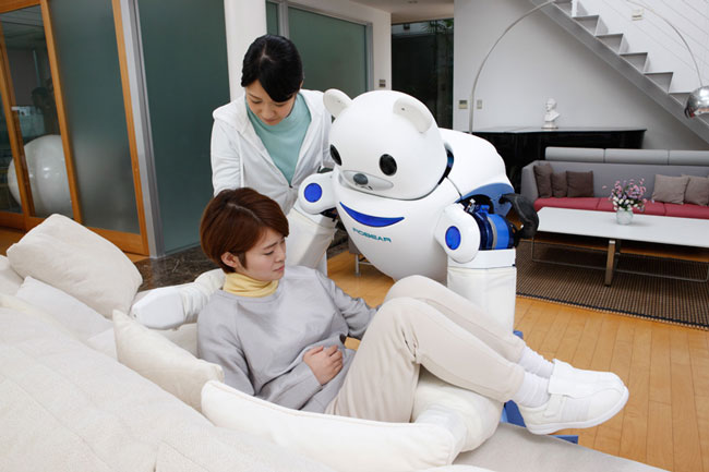 Japan-has-created-a-robot-bear-that'll-help-nurses-take-care-of-their-patients7.jpg